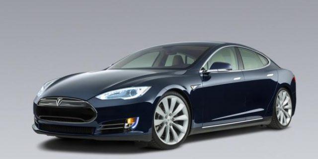 Tenaga Mobil Tesla Payah, Konsumen Menggugat