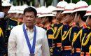 Sambil Pamer Jari Tengah, Duterte: Persetan dengan Anda