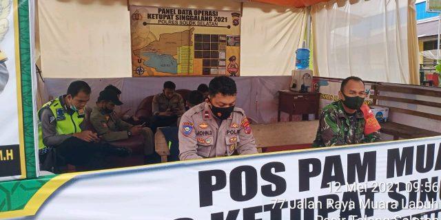 Jelang Lebaran, Babinsa Pantau Posko Pengamanan Operasi Ketupat Singgalang 2021