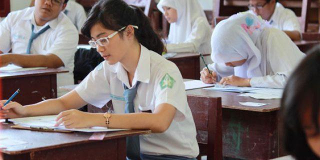 Data Kemendikbud, Ada Ribuan Siswa Tingkat SMA dan SMK Putus Sekolah di Riau