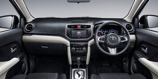 5 Hal Penting Ini Harus Dilakukan Saat Belajar Mengendarai Mobil Manual